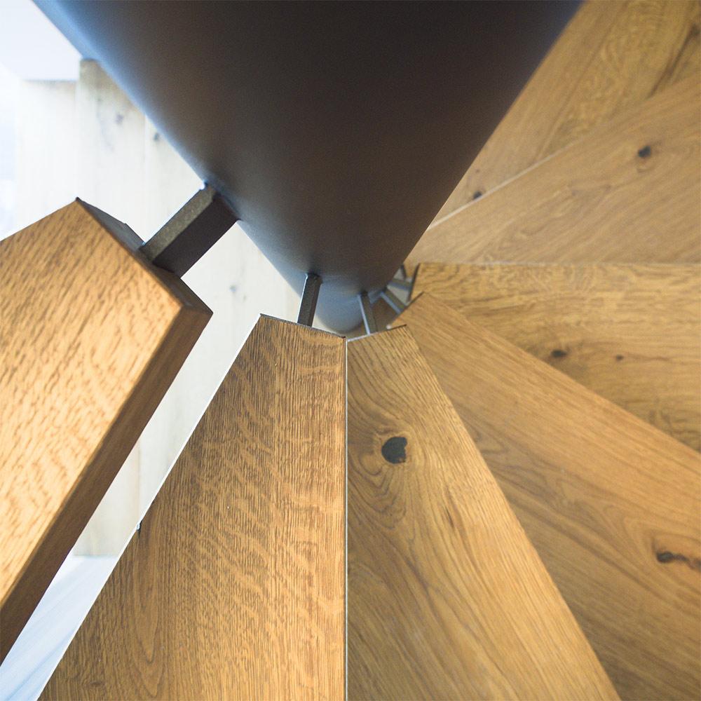 Schody Bielsko spiralne drewniane dębowe