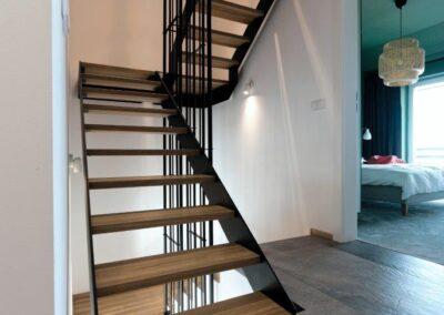 schody stalowo drewniane dębowe