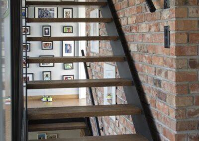 schody dębowe policzkowe